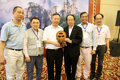 Tang2011_m.jpg